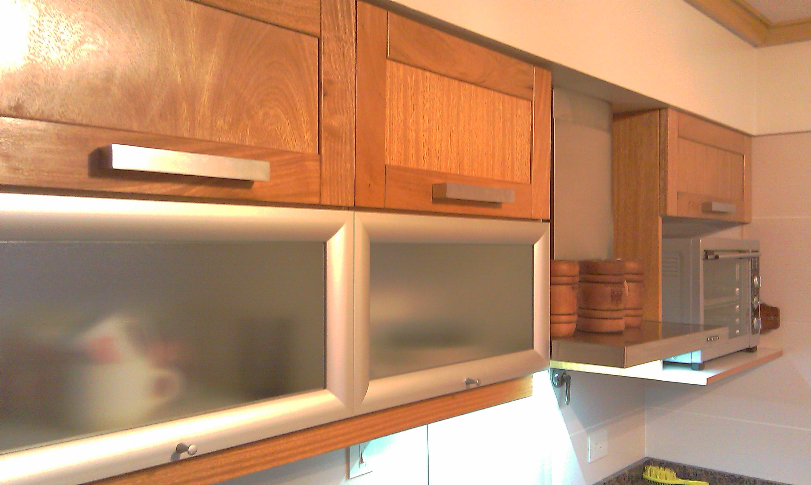 Sergio armador de muebles carpintero cristaleros pintor instalador soporte de tv peque as - Instalador de cocinas ...