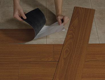 Remoção de piso laminado ou vinílico