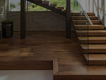 Instalação de piso laminado em escadas