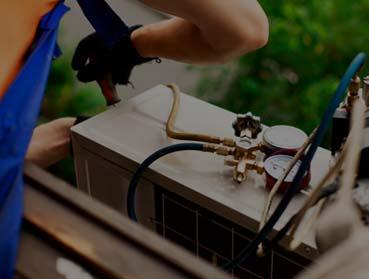 Recarga de gás em aparelho de ar condicionado SPLIT