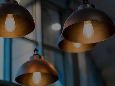 Instalação de lustre, luminária ou pendente novo de até R$150