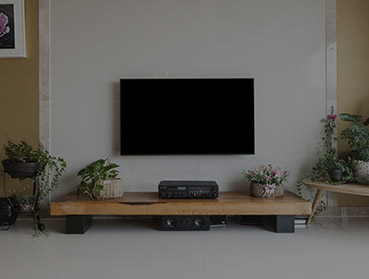 Fixação de suporte de TV
